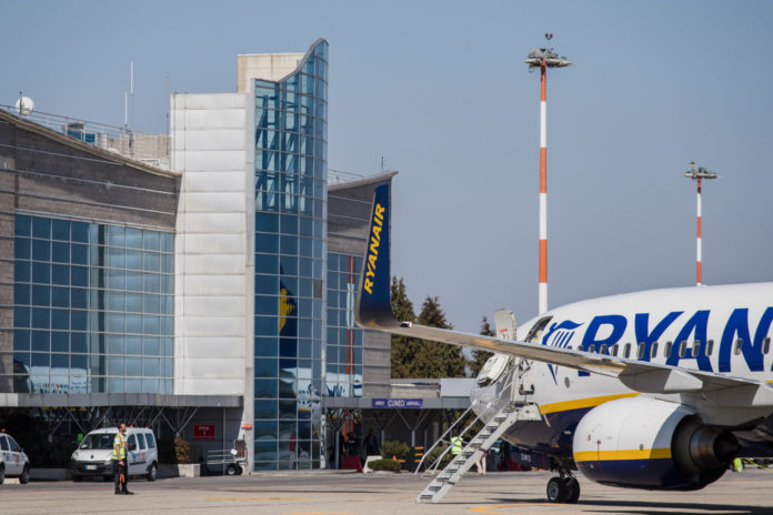 Ryanair Levaldigi