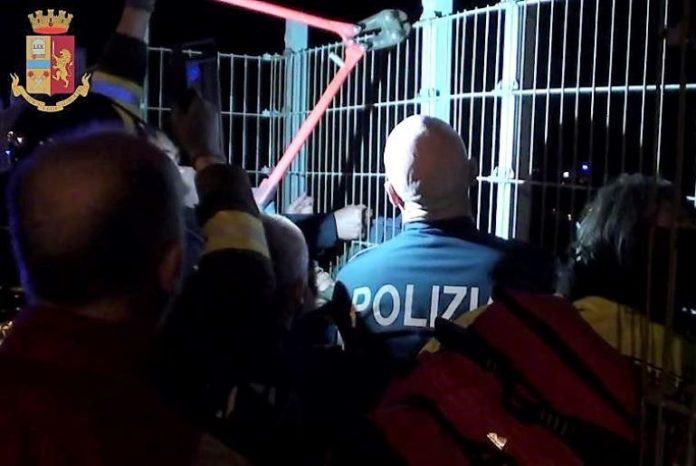 Polizia sventa suicidio a Cuneo