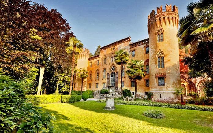 Castello del Roccolo di Busca