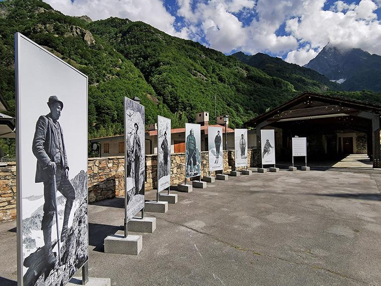 S. Anna Di Valdieri Alcune Delle Gigantografie Di Guide E Alpinisti G. Bernardi
