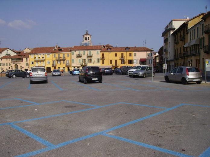 Fossano-abbonamenti-rosa-per-parcheggiare-in-centro